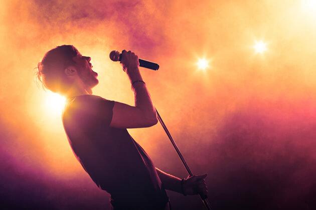 30歳で歌手になるには?!デビューするための心得と方法